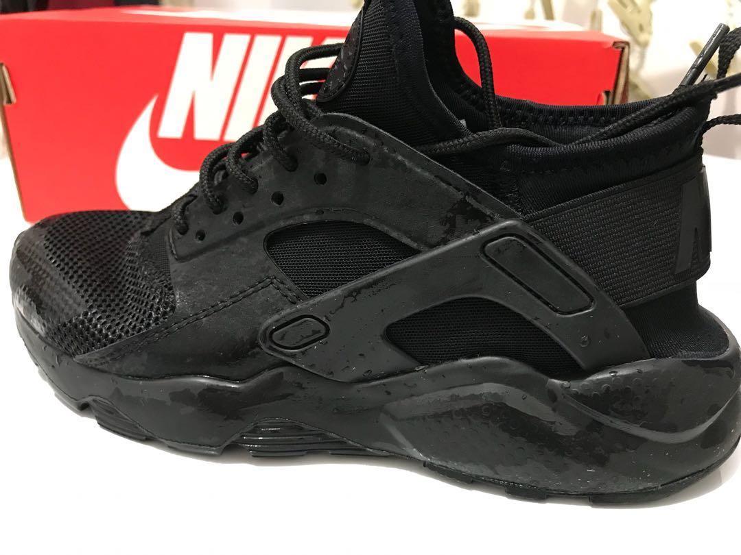Nike Air Huarache Run Ultra GS size 3.5Y or size 5 Women