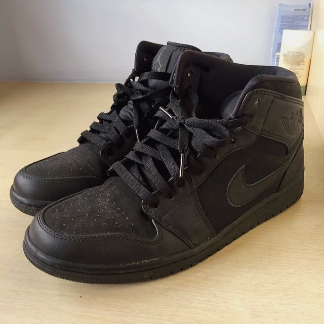 Nike AIR JORDAN 1 Triple Black