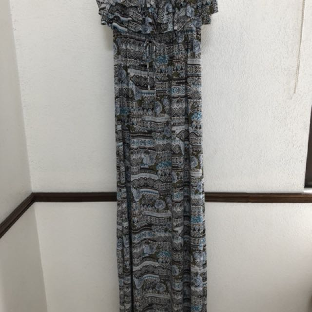 Printed and strapless maxi dress