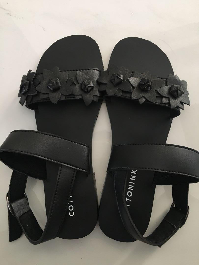 Sandal dari Cottonink