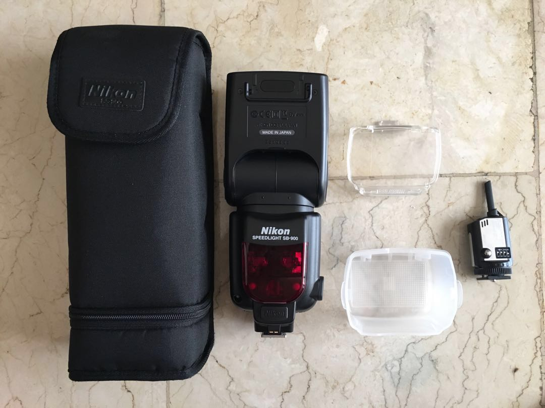 Speedlight with accessories
