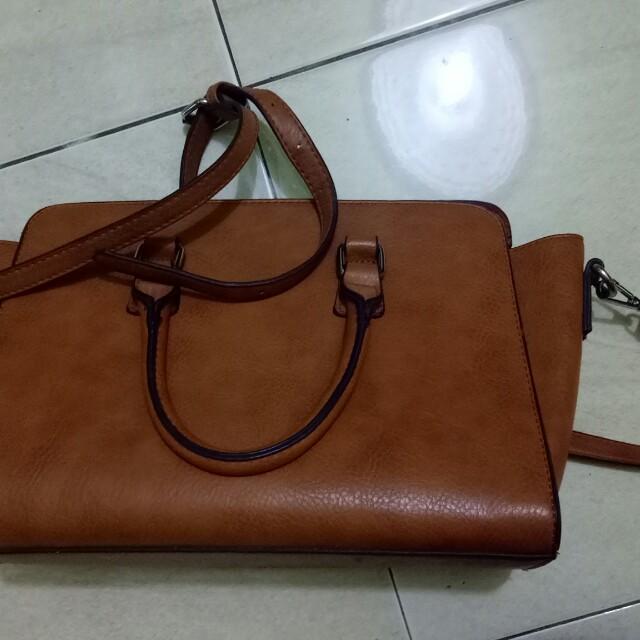 Stradivarius hand bag