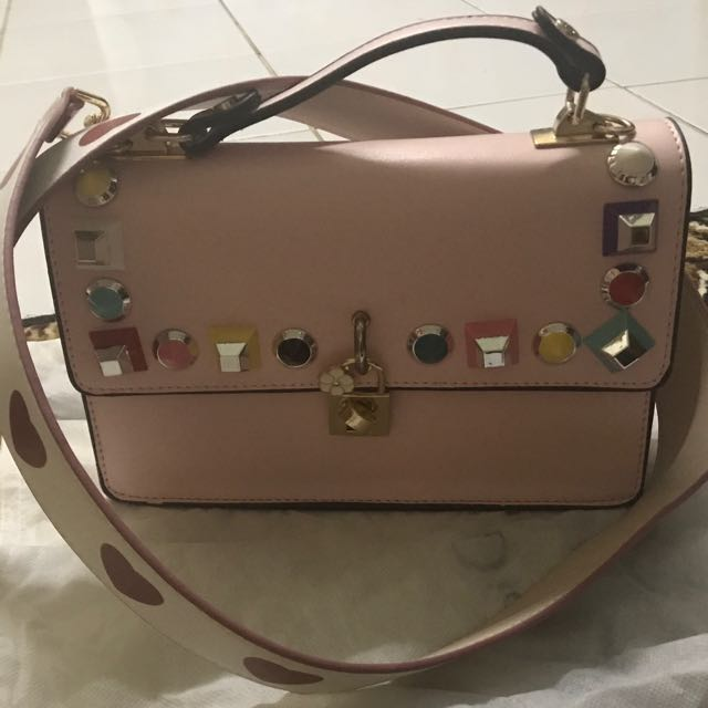 Tas pink with strap