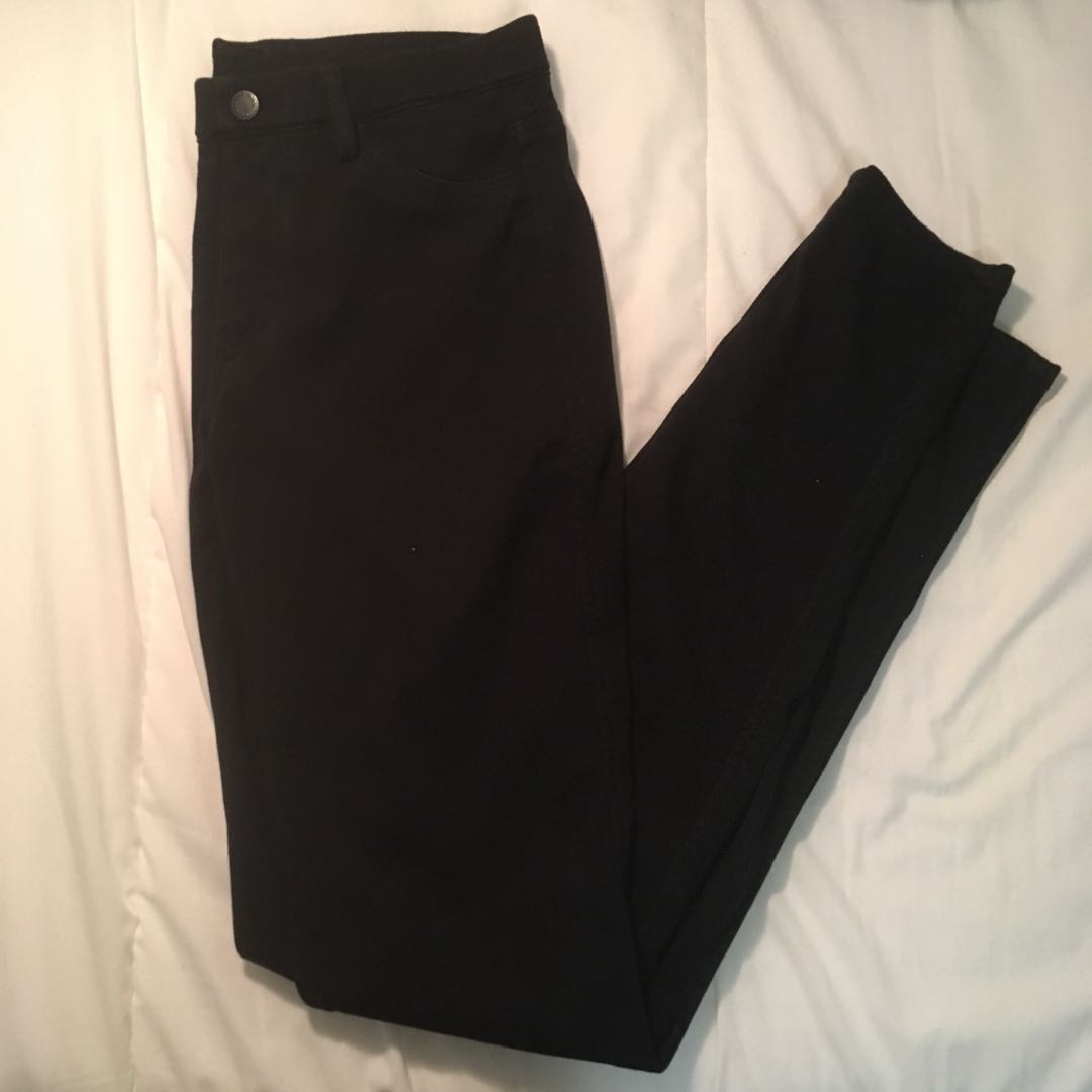 UNIQLO BLACK LEGGINGS PANTS