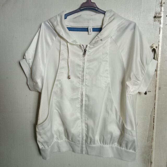 White Short Sleeves Hoodie