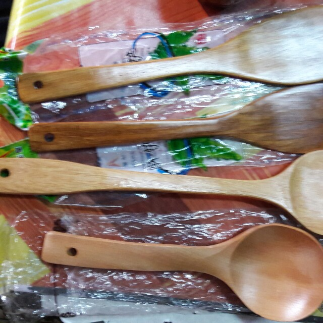 Wooden laddle and chopticks