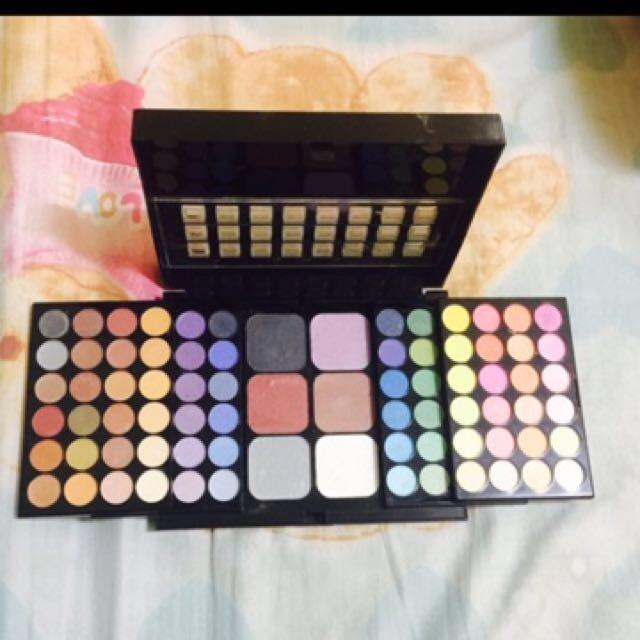 Xclusive Makeup Set (slightly used but Good as New!!!) 😍 From Dubai!! ❤️