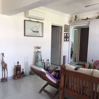 *FIRE SALE* Spacious 4 Room flat in JW for sale !