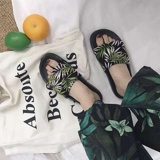Tropical green leaves female flat slippers fashion new 2018 summer vacation non-slip beach slippers women