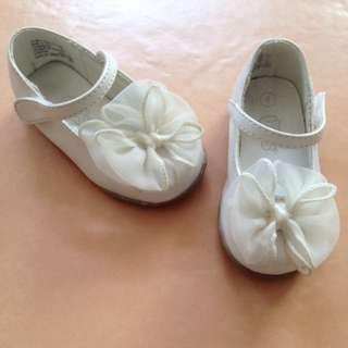 Sepatu Teeny Toes White