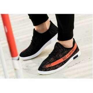 Sepatu Yezi 350 Pria