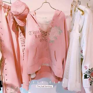[PO] 🌸 LACE UP EMBROIDERED ROSE PULLOVER HOODIE 🌸