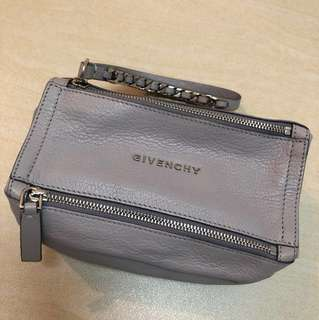 BRAND NEW GIVENCHY PANDORA POUCH BAG 100% AUTHENTIC ELEGANT GREY 正貨全新真皮淺灰色手袋 GENUINE LEATHER CLUTCH HANDBAG REAL