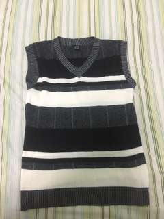 Sweater black and white