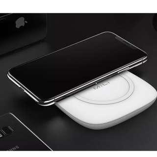 (全新Apple授權) iPhone X 8 Plus 三星 Note 8 QI 快速無線充電座 + 4700mAh 旅行充電器 尿袋 (MiLi)