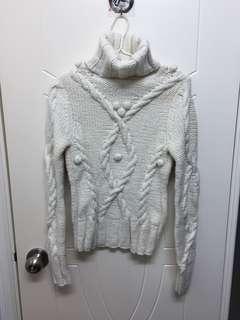 White knitwear 白色厚身絨衣