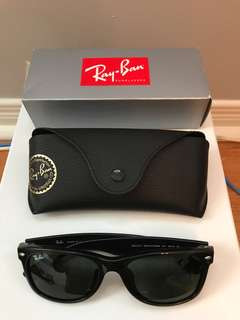 Perfect condition New Wayfarer Ray Bans