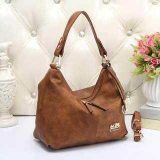 COACH 8673 SHOULDER BAG