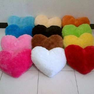 Bantal fur love / hati rasfur