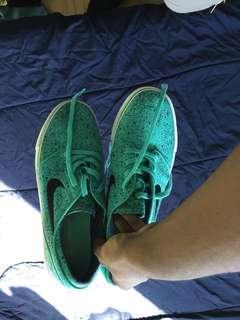 Nike SB Janoski Mint (size 8.5)