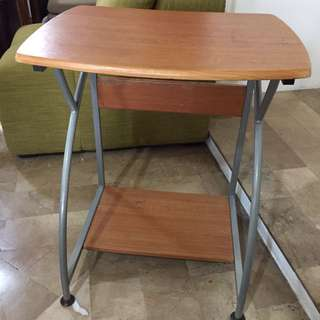 Small laptop/PC table