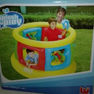 Inflatable playpen
