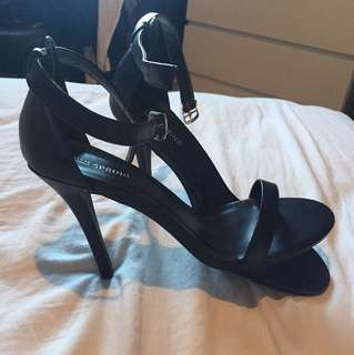 Call It Spring BLK strappy sandals. Size 10.
