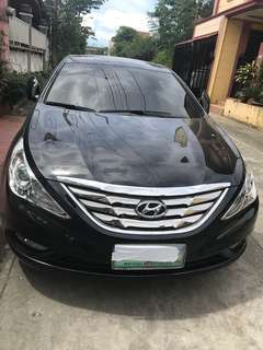 Hyundai Sonata 2011 black diamond theta II panoramic moon roof   A/T 3,500 Kms slightly used