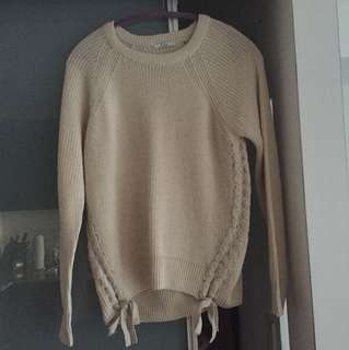 Beautiful tie up detail sweater