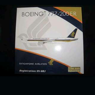 Phoenix 1:400 SIA Airlines 777 - 200er( Jubilee  Livery ).