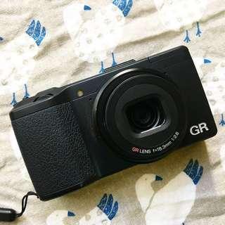 【RICOH GR】銀鹽風格隨身機(數位相機)APS-C COMS / 28mm