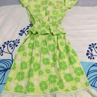 Baju bunga hijau ( 1 stel )