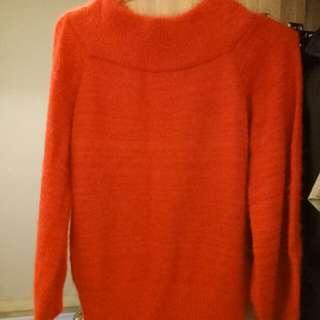 🚚 紅色一字領毛衣