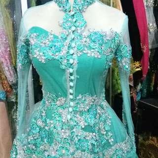 Baju pengantin kebaya wanita