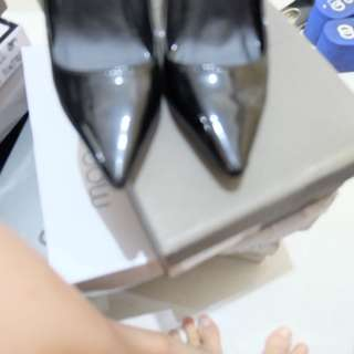Joji black heels