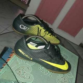 sepatu futsal mercurial CR7