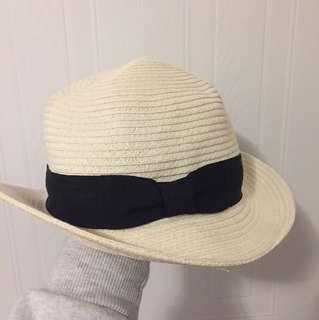 Aritzia Talula Beach Hat