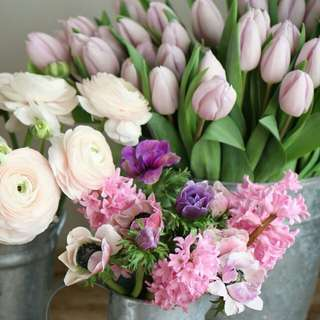 Imported flowers!!!. AVAILABLE!!!!