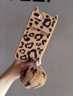 iPhone手機殼,豹紋貓貓連毛毛球