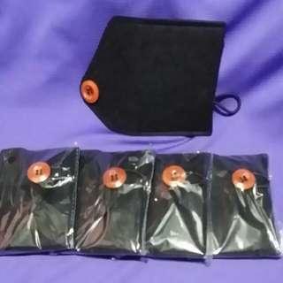 黑色啡鈕 紙絨面料 咭片套 5個 共30元                Black Card Holder 5 pcs
