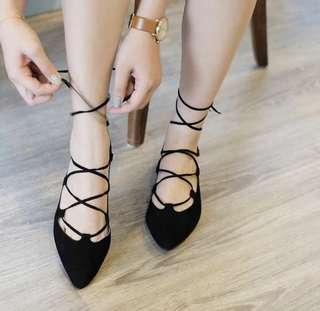 Black flat shoes balerina