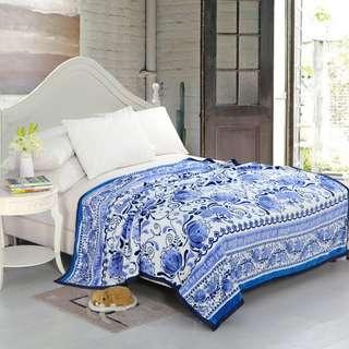 Selimut polyester bulu motif batik biru uk200x230