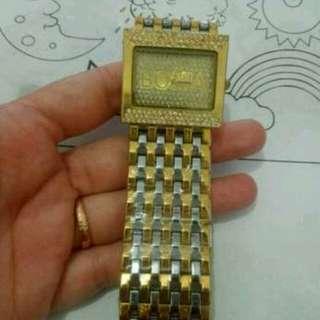 Jam tangan B*nia
