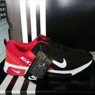 Sepatu Nike impor