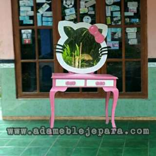 Meja rias hello kitty 989