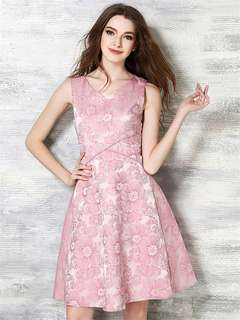 AO/DZC072611 - European Fashion Embossing Floral Tank Slim Dress