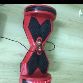 Hover board for sale 10.5 inches wheel ( spoiled for parts Only)