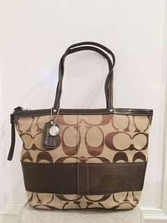 Coach Tote Signature Shoulder Bag In Brown