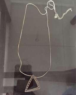 Kalung H&M