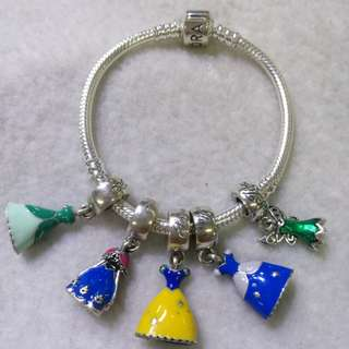 Pandora bracelet with charms for babies or toddler